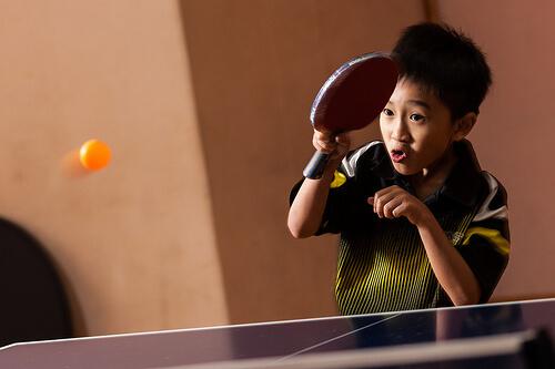 この画像は、サイトの記事「ラージボール卓球 練習 おすすめYouTube無料動画まとめ集!」のイメージ写真画像として利用しています。